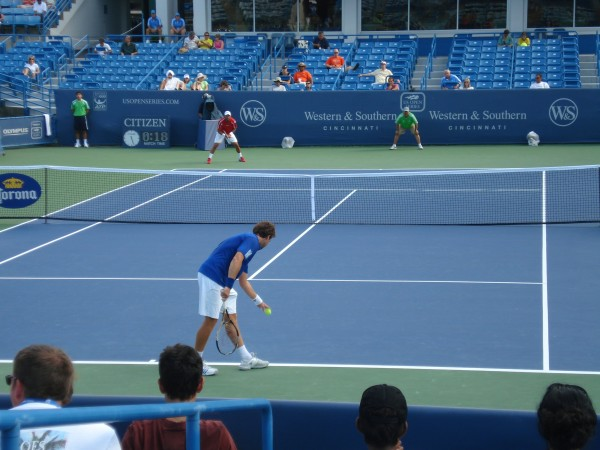 Ball bounce Ernests Gulbis Western & Southern Open 2011 Ernie tennis court qualifier pocket pictures images photos pics